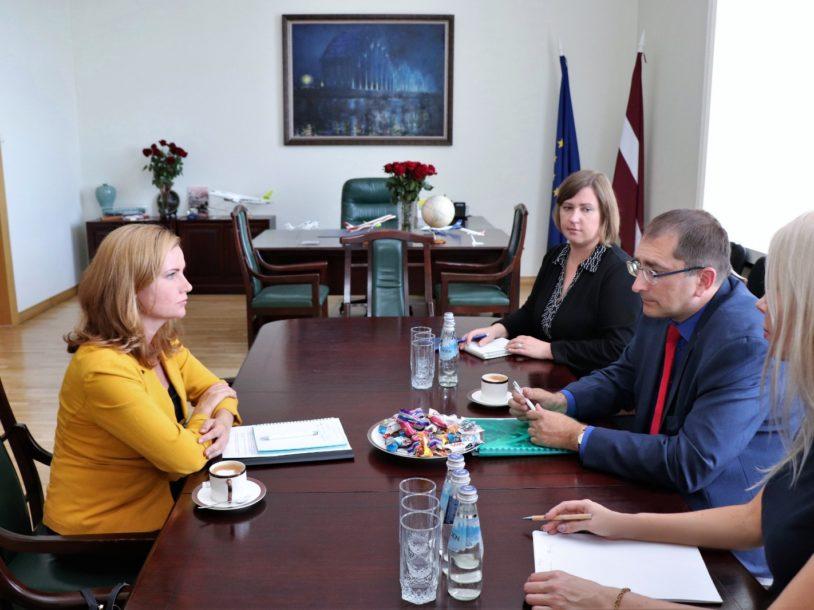 Image for Partnerība ar satiksmes ministru vienojas  par ciešāku sadarbību ceļu būvniecībā